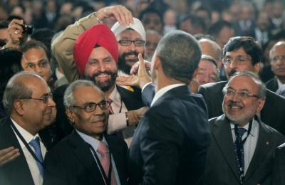 OBAMA with Indians20120928110044_l