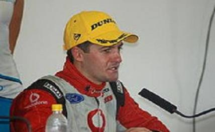 220px-Jamie_Whincup_l20131016134938_l
