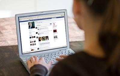 women-facebook20140411124445_l