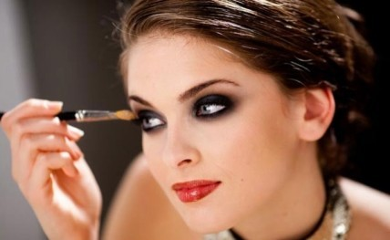 Eyeshadows-for-black-color20150101184125_l