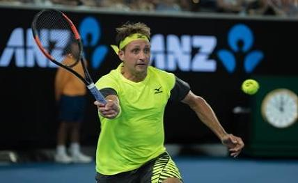 Sandgren knocks out Thiem, reaches Australian Open quarters